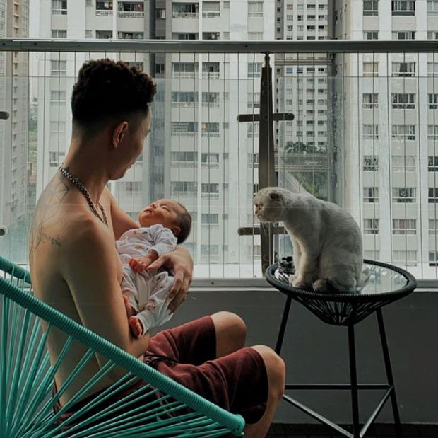Cuộc sống hôn nhân hội rapper hot nhất Vbiz: Tiến Đạt yên bề ở cơ ngơi hoành tráng, Suboi - Rhymastic khác 180 độ so với Rap Việt - Ảnh 18.