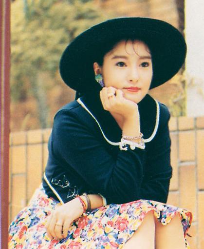 Đường tình duyên lận đận của nữ diễn viên đóng Lý Mạc Sầu kinh điển nhất màn ảnh - Ảnh 2.