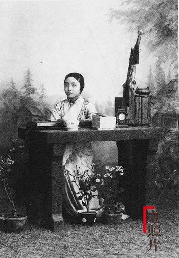 Loạt ảnh cũ quý hiếm phản ánh chân thực dung nhan của những phụ nữ vào cuối thời nhà Thanh - Ảnh 7.