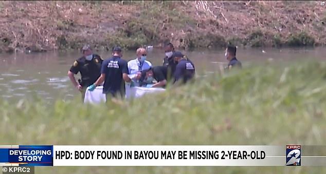Mẹ bị chỉ trích vì mải nấu đồ ăn khiến con gái 2 tuổi mất tích sau 5 phút chơi một mình, nghi có liên quan đến thi thể cách nhà 30km - Ảnh 3.
