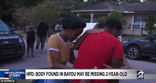 Mẹ bị chỉ trích vì mải nấu đồ ăn khiến con gái 2 tuổi mất tích sau 5 phút chơi một mình, nghi có liên quan đến thi thể cách nhà 30km - Ảnh 4.