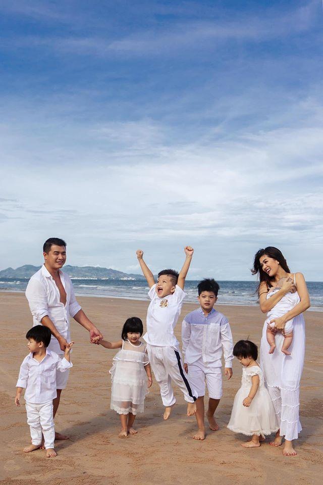 Hoa hậu 6 con: Không có chuyện tôi ham thi nhan sắc bỏ bê các con - Ảnh 5.