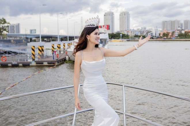 Hoa hậu 6 con: Không có chuyện tôi ham thi nhan sắc bỏ bê các con - Ảnh 1.