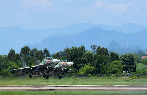 Trung đoàn 923 Anh hùng: Tiếp nối những kỳ tích từng gây chấn động Mỹ và TG trên Su-30MK2 - Ảnh 7.