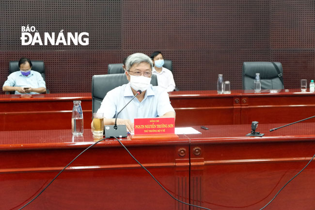 Thứ trưởng Y tế xin phép Thủ tướng ở lại Đà Nẵng cho đến khi dịch chấm dứt; Một GĐ vừa về Nhật nhắn tin báo nhiễm COVID-19: Nhật Bản xác định dương tính - Ảnh 1.