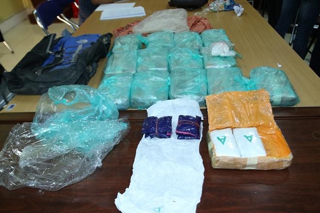 Bắt 3 đối tượng vận chuyển 84.800 viên ma túy - Ảnh 2.