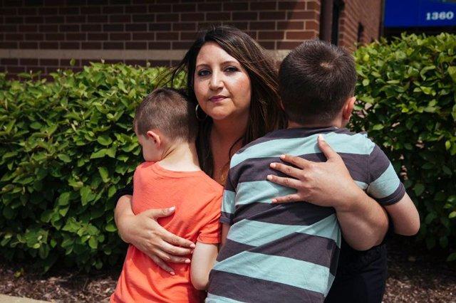 Bi kịch người phụ nữ nhận tinh trùng hiến tặng sinh ra 2 con trai tự kỷ và sự thật về đạo đức trong ngành công nghiệp sinh sản hiện đại - Ảnh 1.