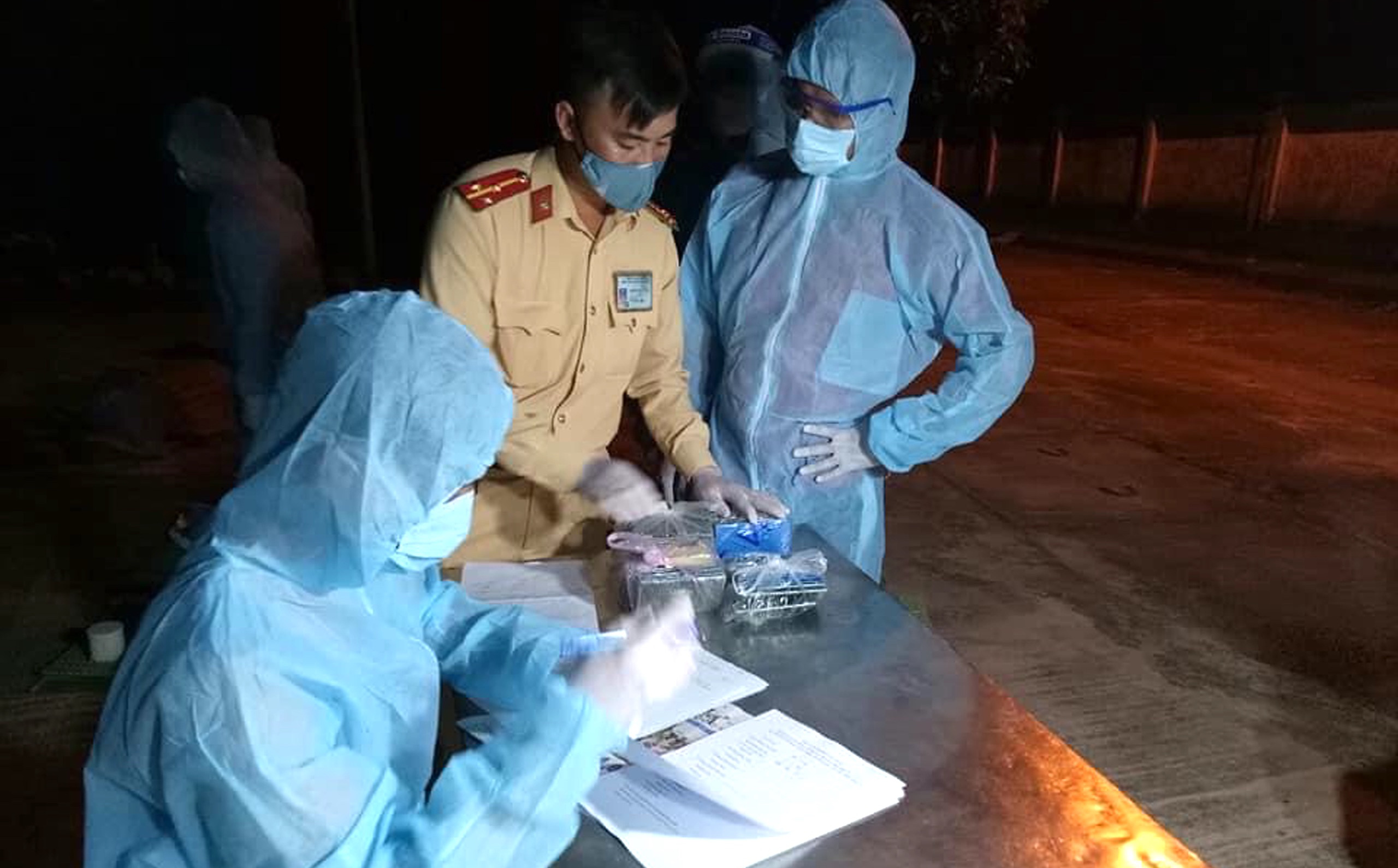 20 người đi chung xe, chung máy bay với bệnh nhân nhiễm Covid-19 đã xét nghiệm âm tính lần 1