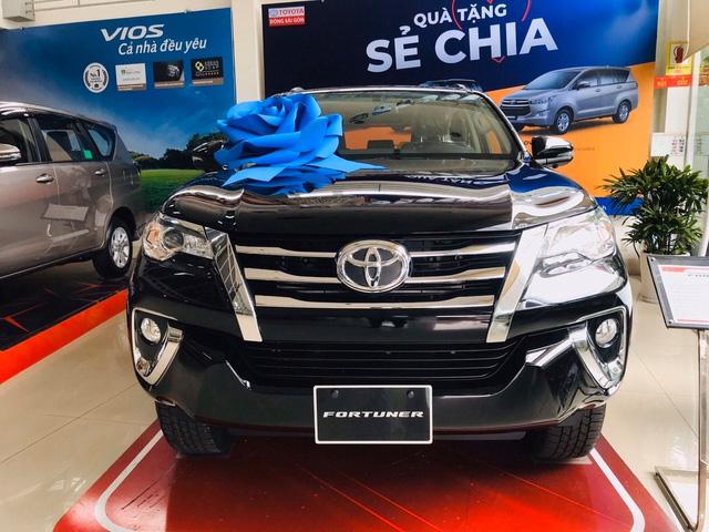 Loạt SUV 7 chỗ đáng mua giảm giá kịch sàn tại Việt Nam: Cao nhất 200 triệu đồng, thấp chưa từng thấy - Ảnh 1.
