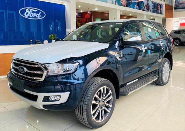 Loạt SUV 7 chỗ đáng mua giảm giá kịch sàn tại Việt Nam: Cao nhất 200 triệu đồng, thấp chưa từng thấy - Ảnh 2.