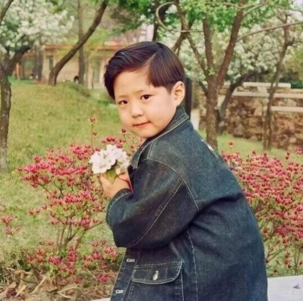 Park Bo Gum: Cậu bé mất mẹ gánh nợ 16 tỷ thành tài tử thị phi bất đắc dĩ, hết bị đồn yêu sao nữ U50 đến phá hoại gia đình Song Song - Ảnh 2.