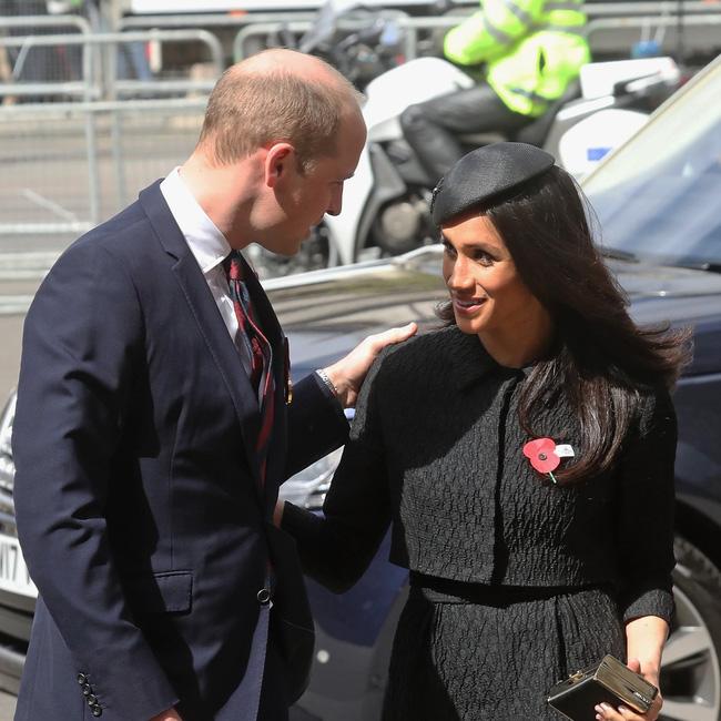 Lần đầu ra mắt hoàng gia Anh, Meghan Markle đã ghim trong lòng mối thù chỉ vì hành động bị cho là thiếu tinh tế của Công nương Kate - Ảnh 4.