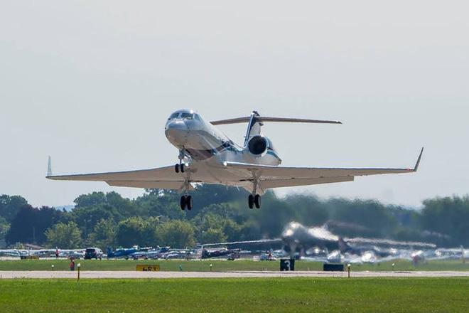 Gặp gỡ Thợ săn Bão - Những chiếc máy bay liều mạng nhất nước Mỹ - Ảnh 13.