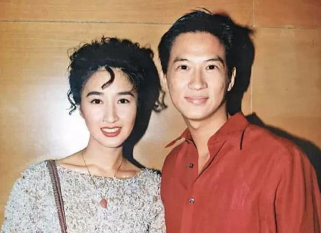 Chuyện tình 3 thập kỷ của Trương Gia Huy và Quan Vịnh Hà: Gã trai nghèo bỏ xứ ra đi vì mặc cảm nghèo kém nhưng một hành động của người phụ nữ đã thay đổi tất cả - Ảnh 3.