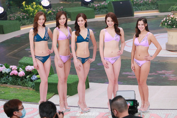 Tân Hoa hậu Hong Kong vừa đăng quang đã gây tranh cãi: Đẹp hiếm có lại giống Địch Lệ Nhiệt Ba, bất ngờ khi kéo đến ảnh lộ chiều cao - Ảnh 8.