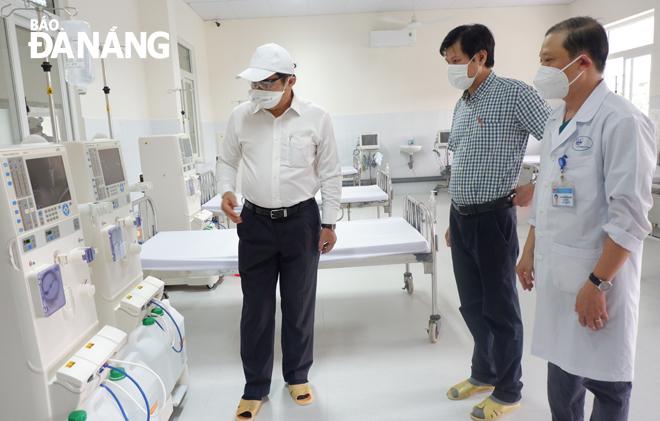 2 phụ nữ mang thai đầu tiên mắc COVID-19, Bộ Y tế điều thêm người hỗ trợ; Thêm 10 ca COVID-19 mới, Việt Nam có 652 ca - Ảnh 1.