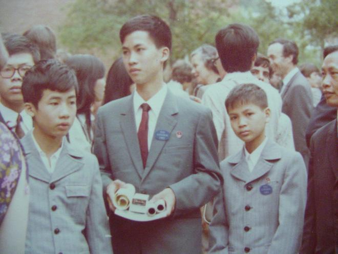 Việt Nam từng có một thần đồng lẫy lừng, được mệnh danh cậu bé vàng của làng Toán học, sau nhiều năm bỗng gây sốt MXH vì điều này - Ảnh 1.