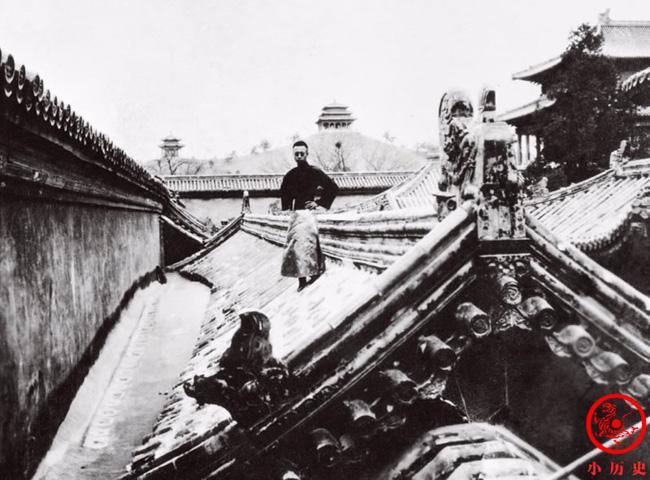 Loạt ảnh khắc họa toàn bộ cuộc sống của gia đình Hoàng đế nhà Thanh cuối cùng: 3 thế hệ cùng sống dưới 1 mái nhà và những câu chuyện ít người biết - Ảnh 1.