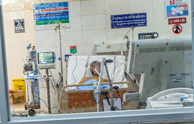 Bên trong Bệnh viện dã chiến Hòa Vang, điểm nóng nhất Đà Nẵng - Ảnh 1.