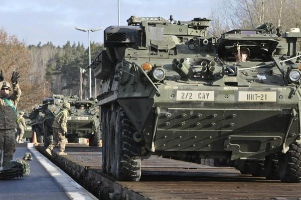 Ba Lan sẽ đối mặt với Nga thế nào khi cho phép Mỹ tăng quân đồn trú? - ảnh 1