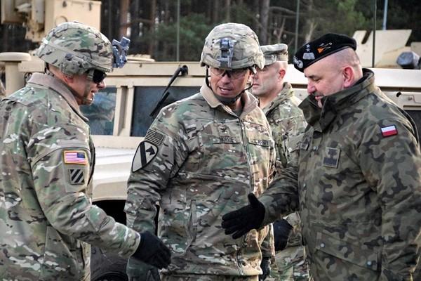 Ba Lan sẽ đối mặt với Nga thế nào khi cho phép Mỹ tăng quân đồn trú? - ảnh 2