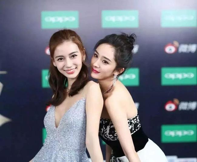 Đôi bạn thân Dương Mịch và Angelababy xuất hiện trong một khung hình nhưng fan lại cãi nhau gay gắt vì lý do muôn thuở - Ảnh 3.