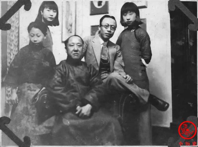 Loạt ảnh khắc họa toàn bộ cuộc sống của gia đình Hoàng đế nhà Thanh cuối cùng: 3 thế hệ cùng sống dưới 1 mái nhà và những câu chuyện ít người biết - Ảnh 4.