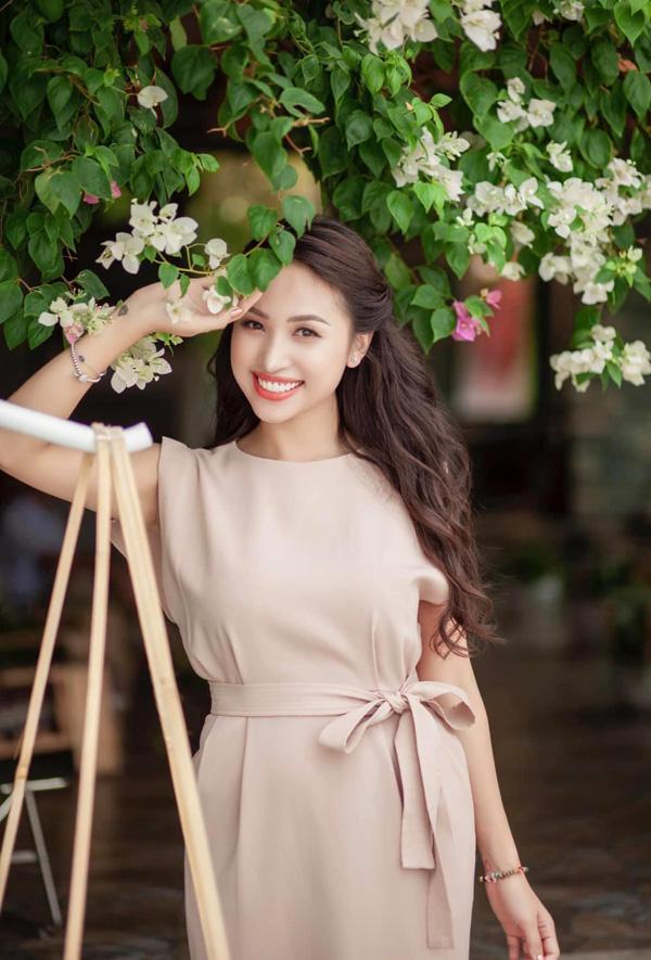 Tuổi 35, MC Vân Hugo rời Hà Nội theo chồng Nam tiến, cuộc sống đủ đầy viên mãn - ảnh 4