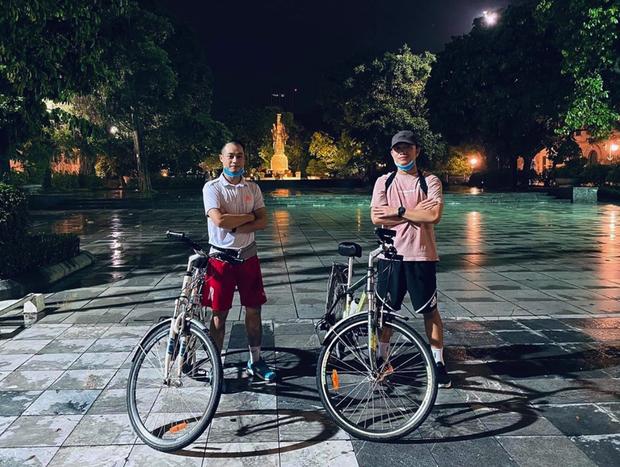 Cầu thủ Việt đưa người yêu đi chơi nhân đợt nghỉ dịch, người không thể về thăm vợ con vì thành phố đóng cửa - Ảnh 6.