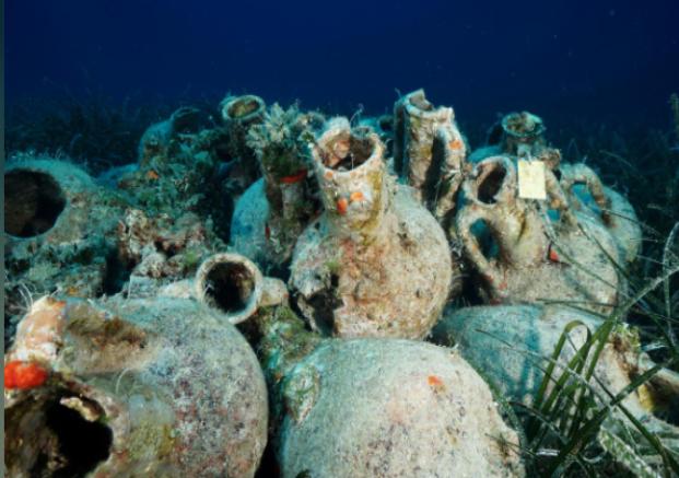 Cận cảnh bảo tàng dưới nước du khách tự do bơi lội ngắm xác tàu cổ đại - Ảnh 10.