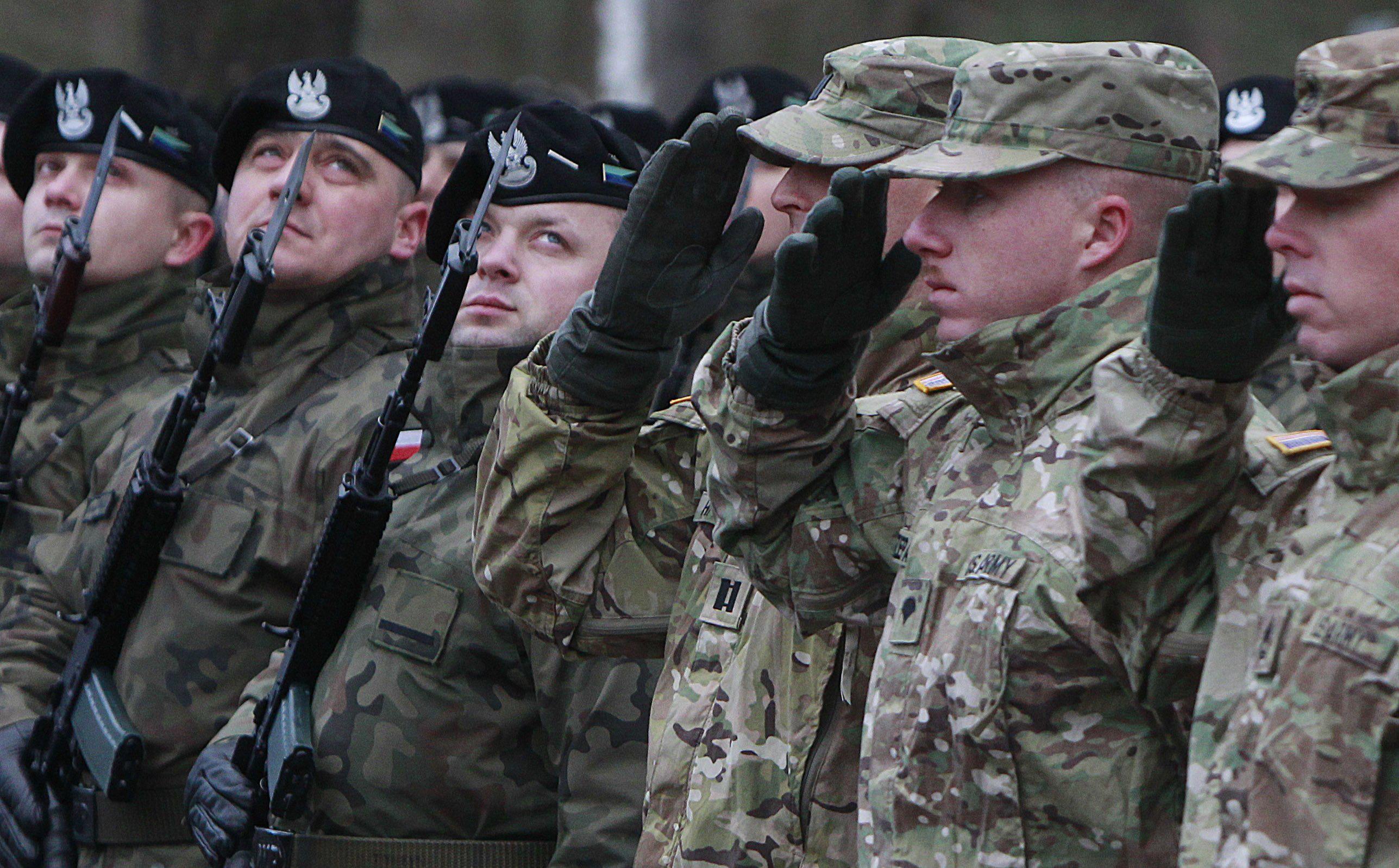 """Thượng nghị sĩ Nga: Ba Lan thành """"bàn đạp"""" chống Nga, không ngạc nhiên nếu bom nguyên tử Mỹ xuất hiện"""