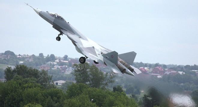"""Su-57 bất ngờ """"tung hoành ngang dọc"""" ở Syria: Mục đích của Nga là gì? - Ảnh 1."""