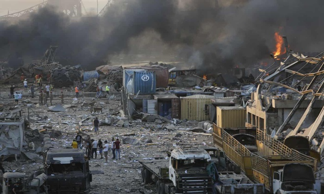 Hình ảnh nổ kinh hoàng như ngày tận thế: Sóng xung kích xé toạc cả Beirut trong vài giây - Ảnh 7.