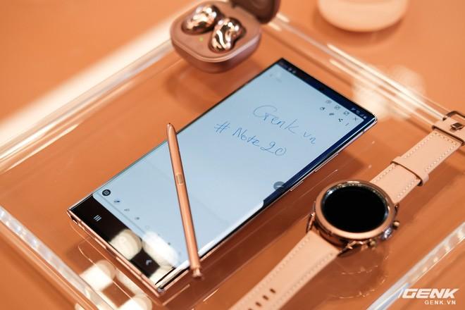 Trên tay Galaxy Note20/Note20 Ultra vừa ra mắt: Một cứng cáp, một mềm mại, màu đẹp xuất sắc, hợp cả nữ lẫn nam - Ảnh 11.