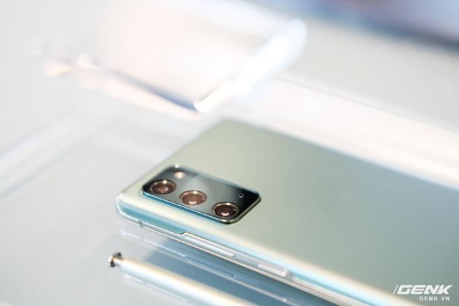 Trên tay Galaxy Note20/Note20 Ultra vừa ra mắt: Một cứng cáp, một mềm mại, màu đẹp xuất sắc, hợp cả nữ lẫn nam - Ảnh 21.