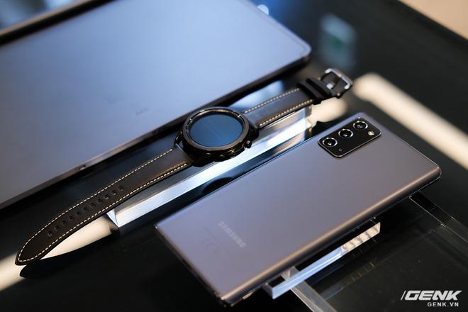 Trên tay Galaxy Note20/Note20 Ultra vừa ra mắt: Một cứng cáp, một mềm mại, màu đẹp xuất sắc, hợp cả nữ lẫn nam - Ảnh 27.