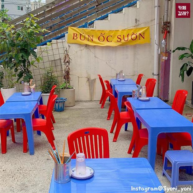 Một quán nhậu ở Seoul (Hàn Quốc) cosplay Tạ Hiện từ A tới Z: Bàn ghế nhựa, đồ nhắm, kiểu gì cũng tưởng ở Việt Nam - Ảnh 7.