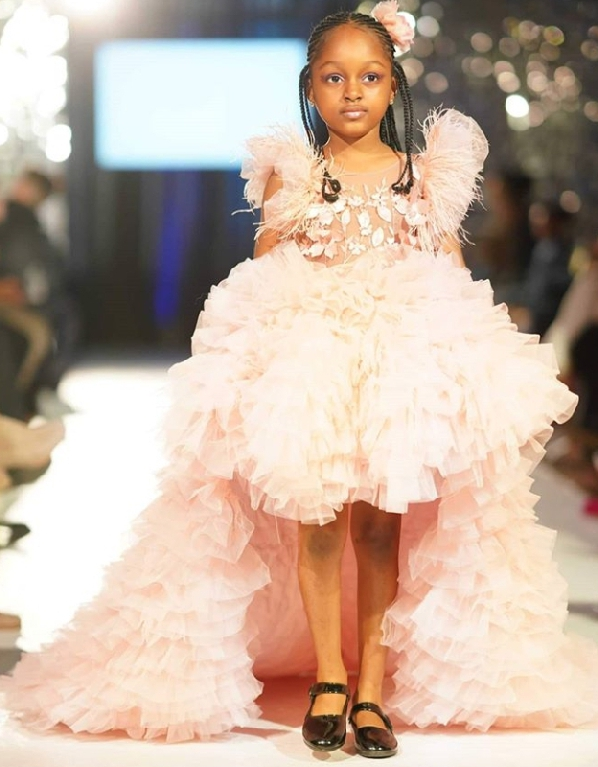 Sau 2 năm gây sốt mạng xã hội, cô bé châu Phi đẹp nhất thế giới hiện ra sao? - Ảnh 9.