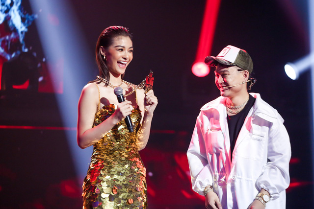 Á hậu Việt Nam đầu tiên thi hát rap là ai và nóng bỏng cỡ nào? - Ảnh 3.