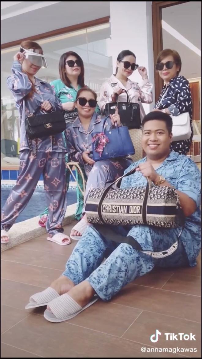 Màn diện đồ bộ xách túi Hermes, Dior của hội bạn thân Philippines giàu sụ được dân mạng tích cực share lại - Ảnh 3.