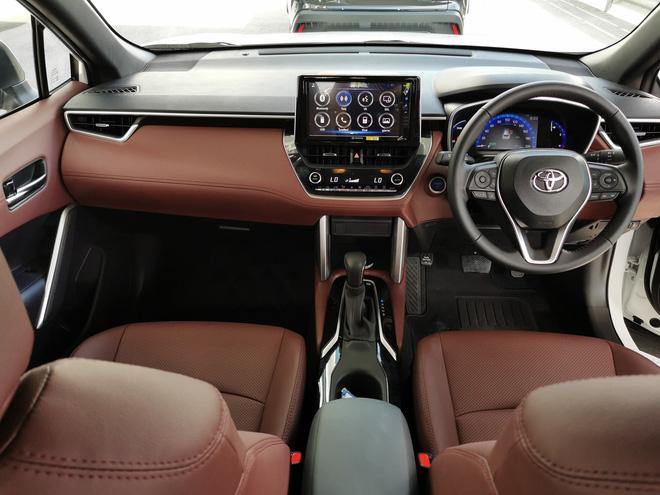 Nhập khẩu nguyên chiếc, Toyota Corolla Cross có bị cắt option như truyền thống? - Ảnh 4.