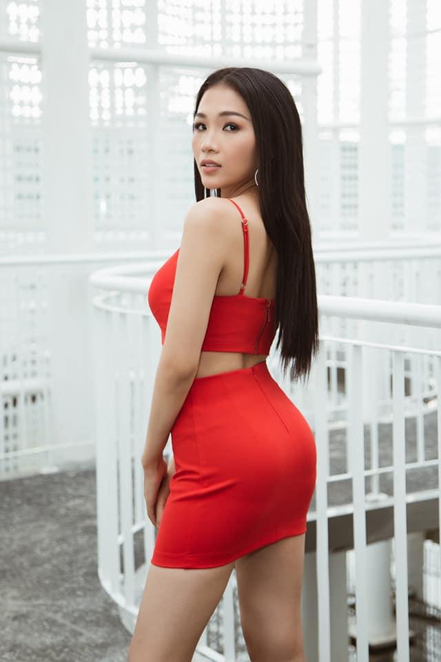 Em gái luật sư của Hoàng Thùy: Bị loại khỏi Hoa hậu Hoàn vũ vì chiều cao nhưng body lại bốc lửa không kém chị gái - Ảnh 2.