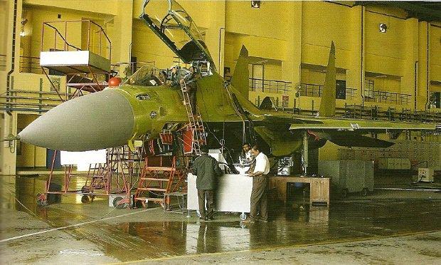 Vì sao Su-30MKI Ấn Độ có giá đắt gần gấp đôi Su-30 của Nga và Trung Quốc? - Ảnh 1.