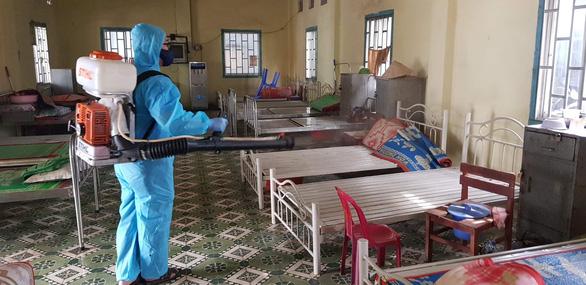 Có 1 bệnh nhân mắc Covid-19, Thanh Hoá dừng karaoke, massage, vũ trường; TP HCM có 871 người tiếp xúc gần với 8 ca bệnh - Ảnh 1.