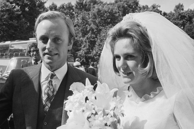 Camilla Parker Bowles: Từ cô tiểu thư sinh ra đã ngậm thìa bạc, bà cố là nhân tình khét tiếng của Vua cho đến người thứ 3 bị ghét nhất nước Anh - Ảnh 6.