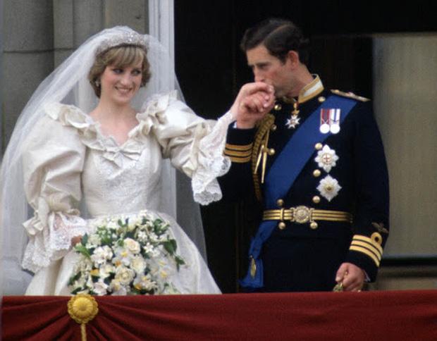 Camilla Parker Bowles: Từ cô tiểu thư sinh ra đã ngậm thìa bạc, bà cố là nhân tình khét tiếng của Vua cho đến người thứ 3 bị ghét nhất nước Anh - Ảnh 7.
