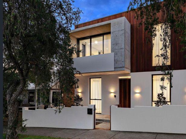 Ngôi nhà cũ kỹ 1 tầng bỗng lột xác thành biệt thự, giá tăng thêm gần 30 tỷ nhờ cải tạo - Ảnh 2.