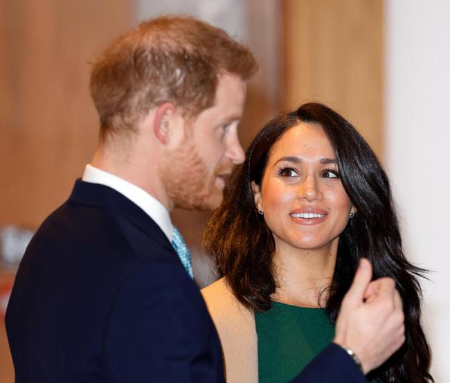 Harry lên tiếng nói về tiêu cực của MXH nhưng lại bị dư luận vạch trần lời nói dối, cho rằng Meghan đứng đằng sau mọi chuyện - Ảnh 2.