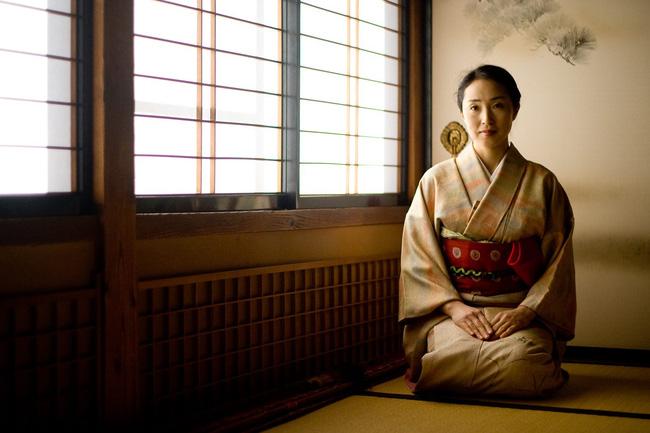 Nghề chia rẽ lứa đôi ở Nhật Bản: Dịch vụ tiền tỷ cho thuê trai xinh gái đẹp để gài bẫy bạn đời và hệ lụy đạo đức - pháp luật gây tranh cãi - Ảnh 2.