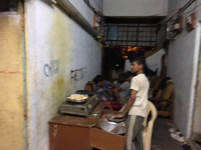 Tỷ phú kim cương Ấn Độ đẩy con trai ra ngoài đường tự kiếm tiền như người nghèo và ẩn sau là bài học thấm thía của cả gia tộc - Ảnh 2.